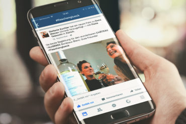 Social Media Facebook Kampagne Werbung Hashtag Kommunikation Online Wein